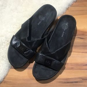 Shoes - 💎 Anne Klein Black Leather Sandals Size 9.5M